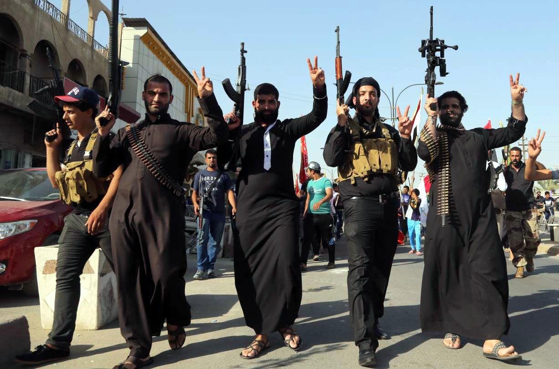 2.- Desde hace más de una década, decenas de miles han muerto en la capital iraquí por el terrorismo, pero un par de centenas muere en París y...