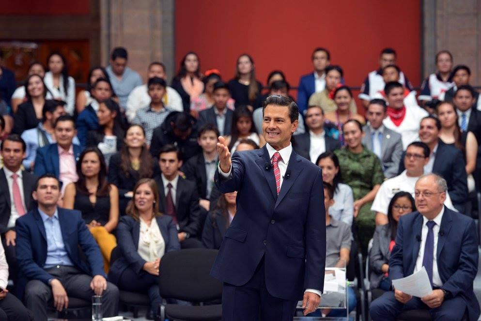 El desinforme y el hundimiento del barco Peña Nieto