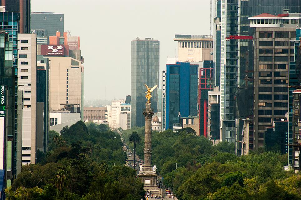 Vamos a descentralizar a la Ciudad de México