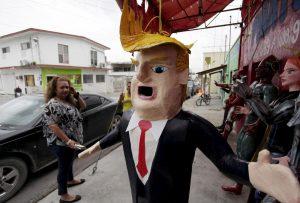 Los políticos y su moda de pegarle a Donald Trump