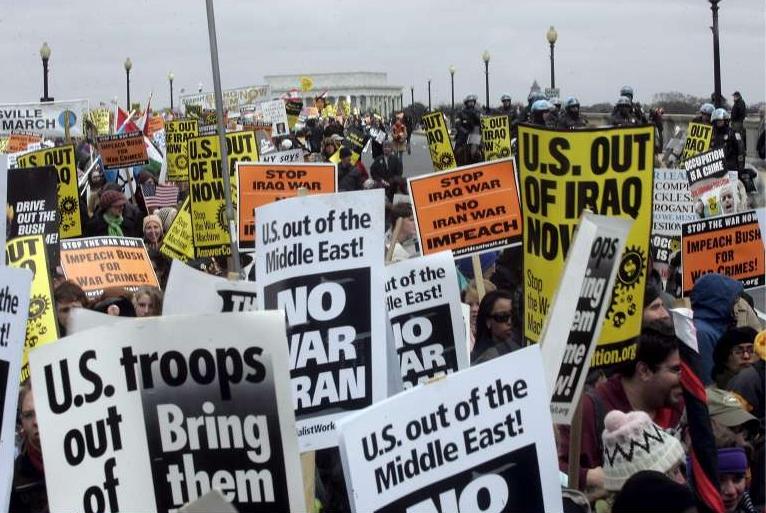 221481-usa-10-a-20-000-manifestants-contre-la-guerre