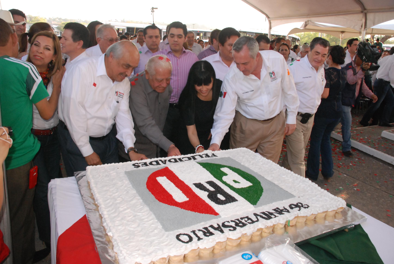 ¡Feliz 88 aniversario PRI!