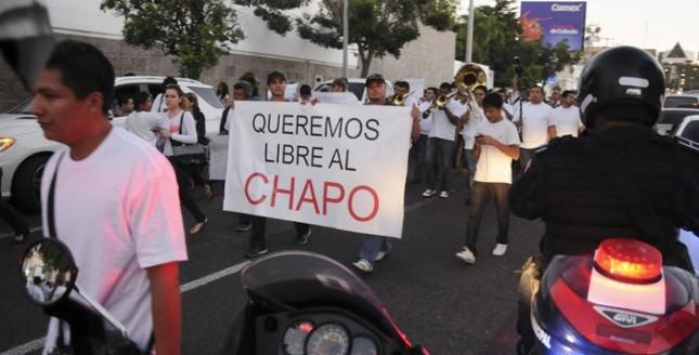 Marchando por el Chapo - Esa sociedad dañada y pervertida