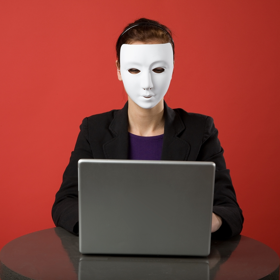 Cyberencono / Relato sobre narcisitas virtuales