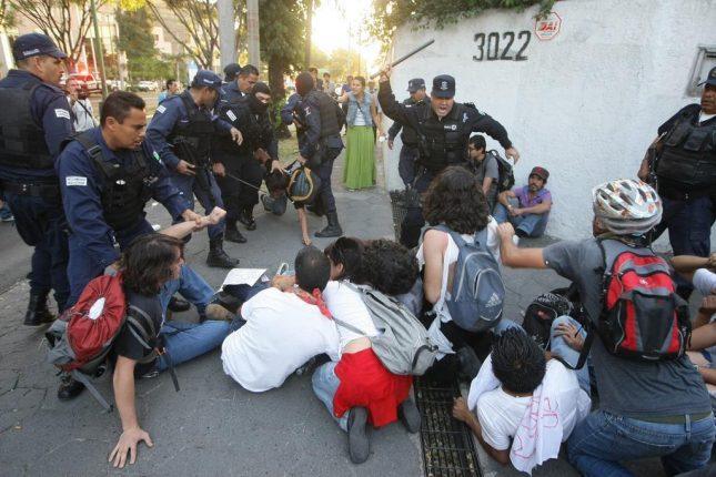 ¿Quién está detrás de la violencia de la toma de protesta?