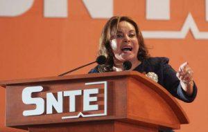 Elba Esther Gordillo está detenida, arrestada. al bote. El PRI está de regreso.