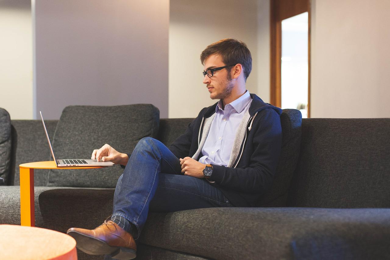 La generación de los Millennials. Ser Esteban Godínez antes que Steve Jobs