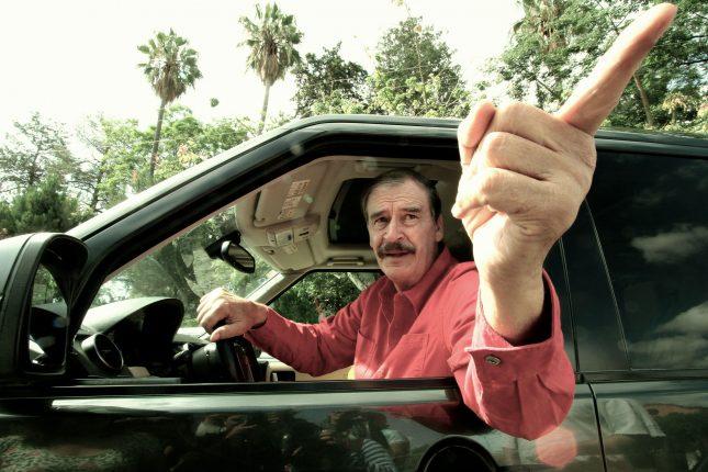 Vicente Fox, más grande que Benito Juárez, de estatura.