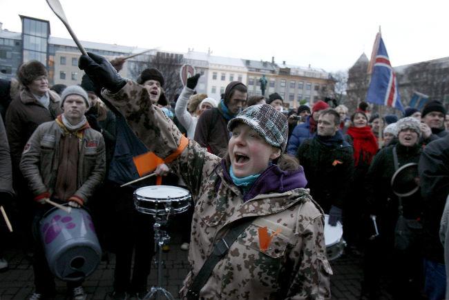 Revolución Islandesa - No les dijeron que se pusieran a trabajar