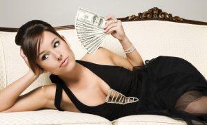 mujeres-y-billetes-dinero