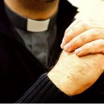 Los sacerdotes pederastas.