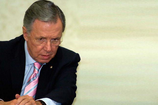 http://elcerebrohabla.com/2012/07/22/y-las-encuestas-insulto-a-mi-profesion/