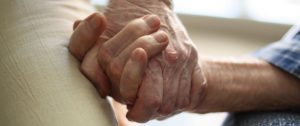 Hermoso Amanecer: Cuando los ancianos ya no nos importan