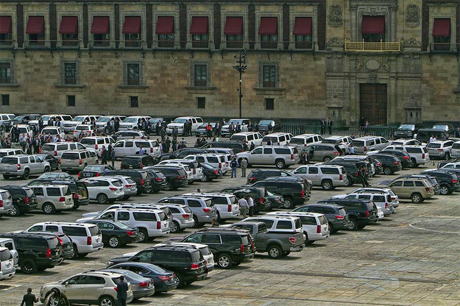 http://mexico.cnn.com/nacional/2014/09/04/9-puntos-clave-sobre-el-nuevo-aeropuerto-de-la-ciudad-de-mexico
